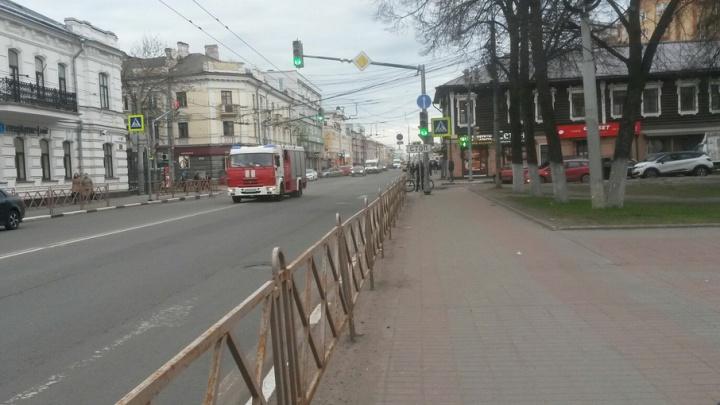 Спецслужбы оцепили «Макдоналдс» на улице Свободы
