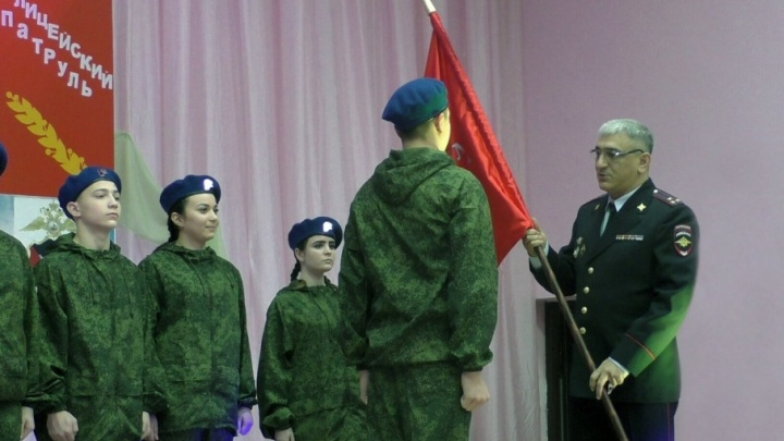 Присягнули закону: в Тольятти появился юнармейский патруль при транспортной полиции
