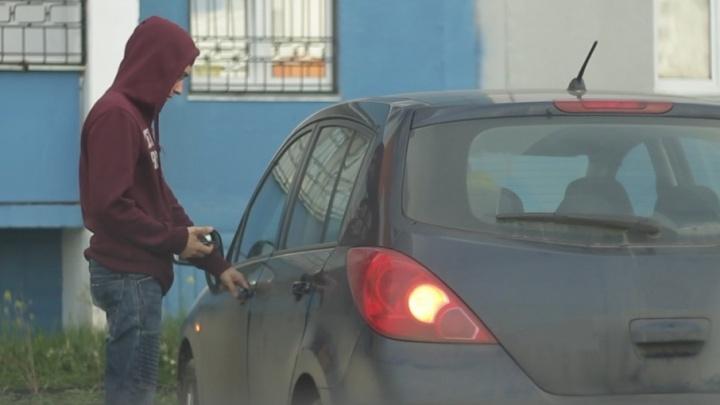 «Хочу, чтобы этот ад кончился»: челябинка лишилась автомобиля дважды