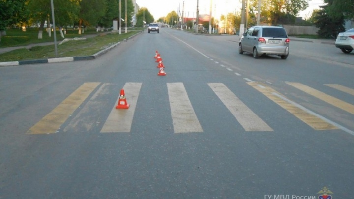 В Урюпинске девушка-водитель на «зебре» сбила ребенка в коляске