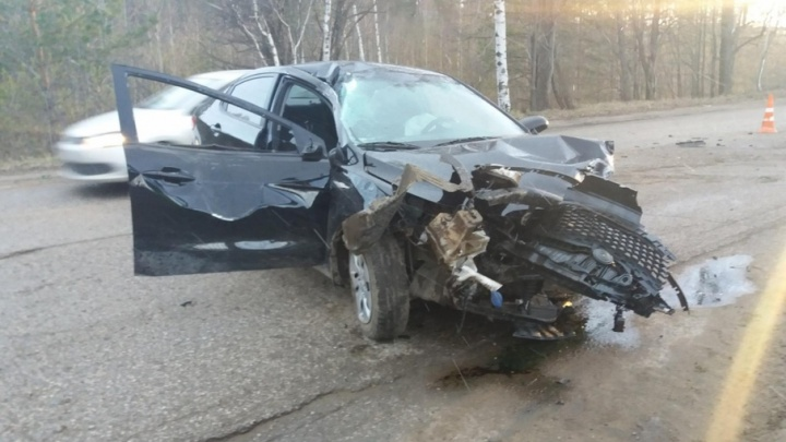 Врезался в забор: в Перми пассажир иномарки пострадал в ДТП