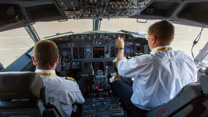 Над Волгоградской областью у самолета «Победы» отказал двигатель