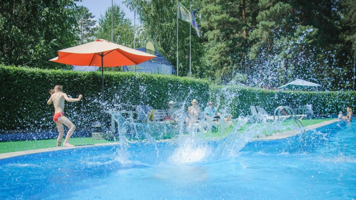 Волгоградцев приглашают освежиться от летней жары у бассейна