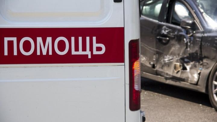 На трассе Ейск–Азов столкнулись два ВАЗа и иномарка: пострадали четыре человека