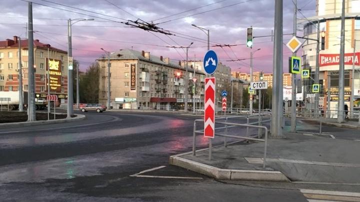 На кольце Луначарского — Московское шоссе включили «умные» светофоры