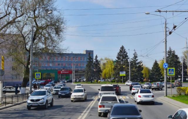 На Шолохова водитель «Лады» угрожал другому пистолетом