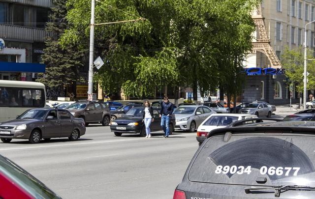 «Рисковый пешеход»: фотоподборка 161.ru о нарушителях