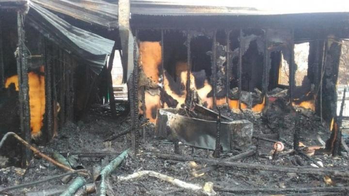 Мальчика, пострадавшего на пожаре в Березовке, перевели в краевую больницу