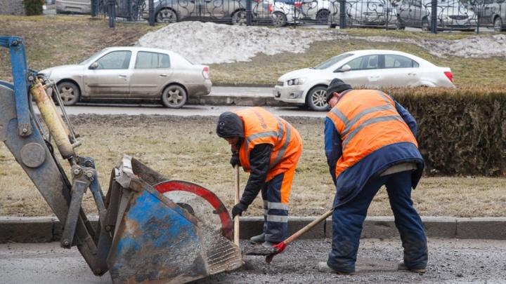 Новый асфальт на старую землю: волгоградцы возмутились ремонтом дороги