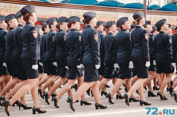 Вы только посмотрите, какие очаровательные барышни служат в тюменской полиции! Правда, хороши?