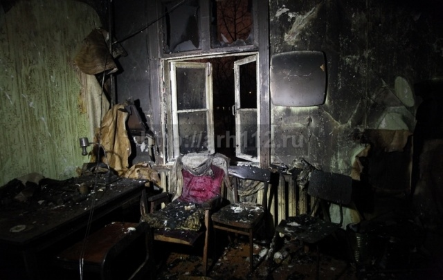 В Маймаксе пожар в аварийке унес жизнь двух человек