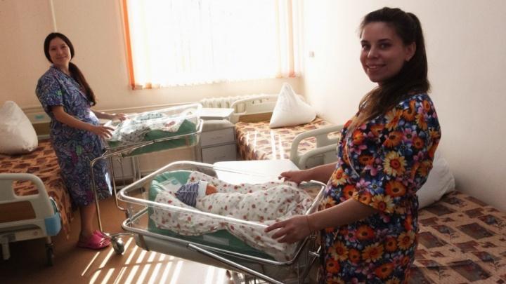 «К сожалению, только 16 мальчиков»: в День города в Челябинске родилось 40 малышей