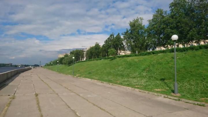 На набережной Архангельска установили новые торшеры