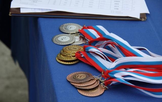 На всероссийских соревнованиях по стрельбе Алина Хвиюзова завоевала бронзовую медаль