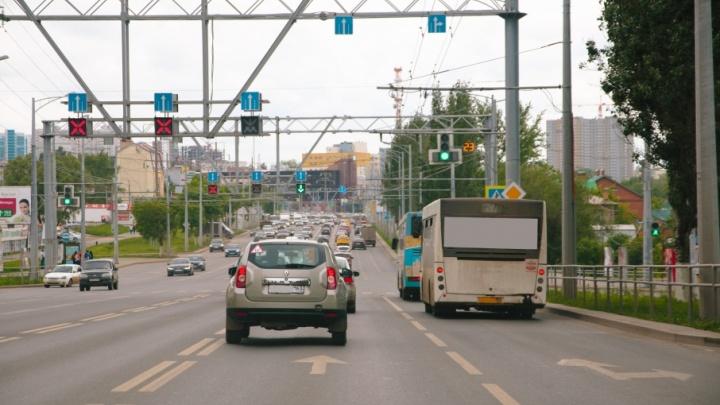 «Умные светофоры» на Московском шоссе подстраивают под дачников
