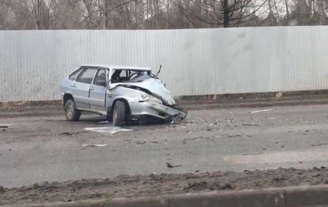 В Перми водитель ВАЗ-2114 сбежал после ДТП с грузовиком
