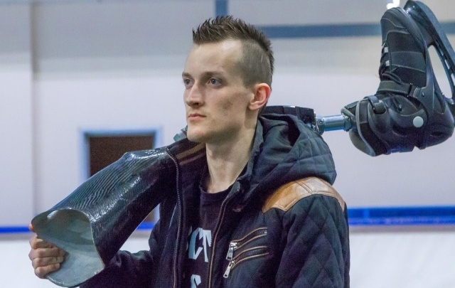 Челябинец, потерявший ногу, выиграл первую медаль в конькобежном спорте