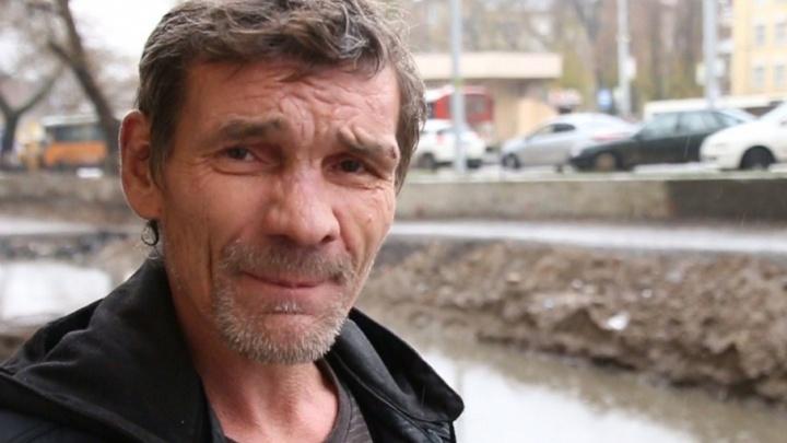 «Кто ответит за это безобразие?»: ростовчанин упал в глубокую яму на Станиславского