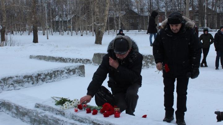 «Вместе мы сила»: митинг памяти Бориса Немцова собрал в Архангельске около полусотни человек