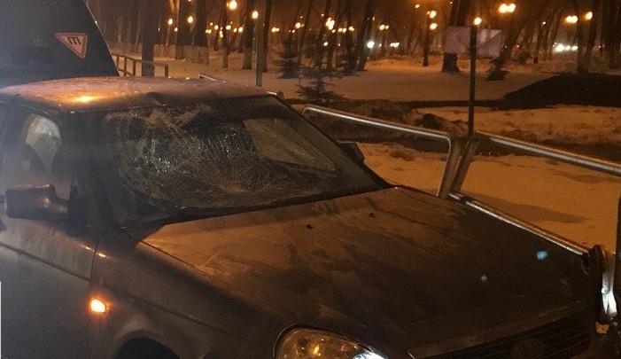 Не заметил за грузовиком: в Самаре ночью автомобилист на «Приоре» сбил пешехода