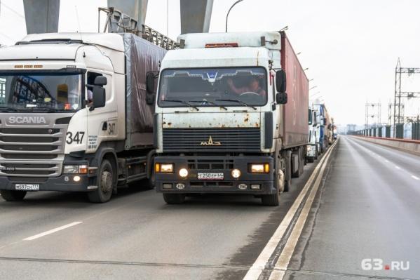 Ограничения для грузовиков будут действовать с 14 июня по 16 июля