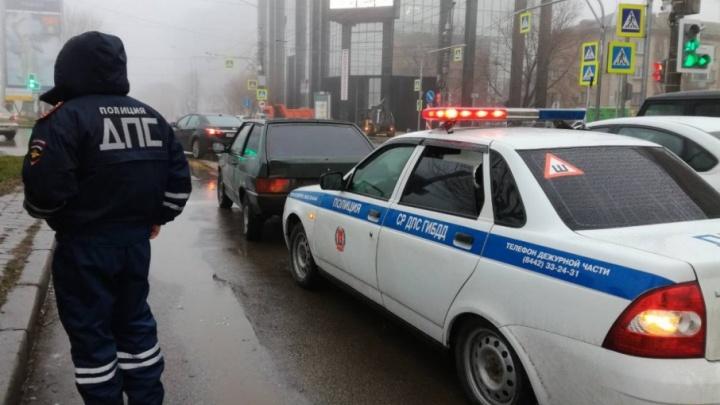 В Волгограде открыли погоню за 16-летним гонщиком