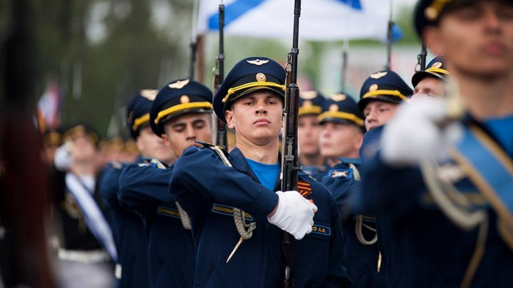 Мэр Новочеркасска пообещал отправить в армию всех уклонистов