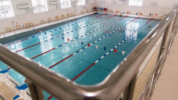 Без запаха хлорки и дырявых купальников: как работает новый бассейн в Волгограде?
