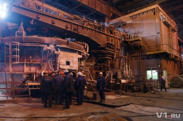 Банкротства металлургического гиганта добивается и владелец, и налоговики