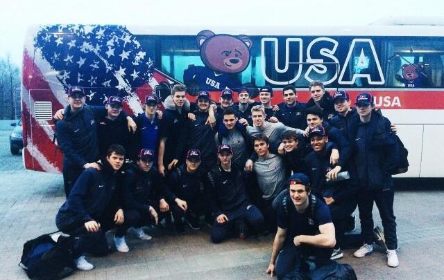 Первые участники юниорского чемпионата мира по хоккею прилетели в Челябинск