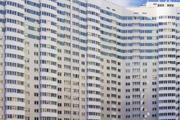 Квартиры в пустующих элитных домах — «вторички» и жилье под самоотделку от застройщика