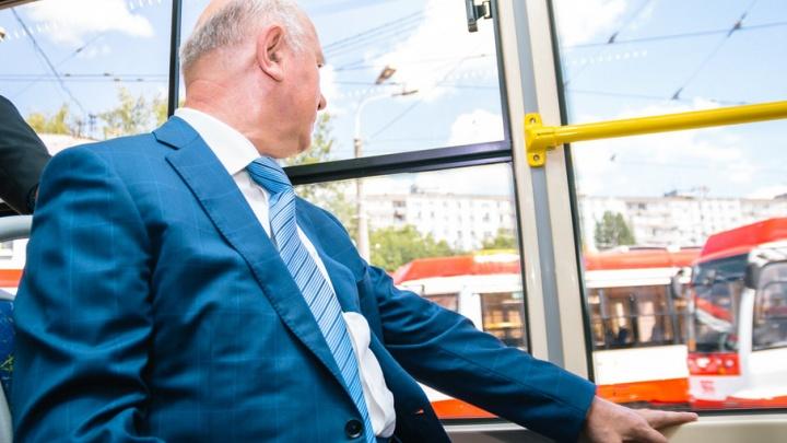 ВИПы тоже ездят в трамваях: в Самаре презентовали трехсекционные вагоны