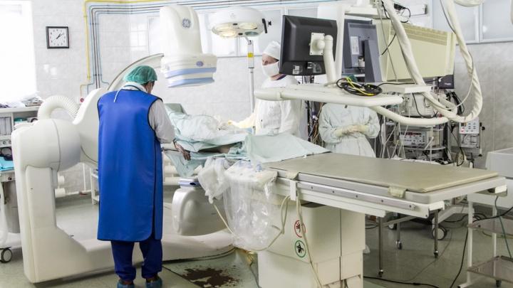 «Пришел за деньгами – уходи сразу»: что держит врачей Архангельска в профессии