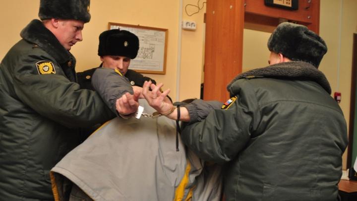 Житель Плесецкого района зарезал своего знакомого во время застолья