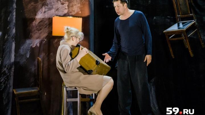 Два актера, «шаткий» реквизит и экранизация. 8 фактов о новом спектакле «Пизанская башня» Театра-Театра