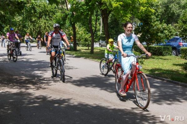 Отправиться в заезд можно не только на велосипедах, но и на самокатах