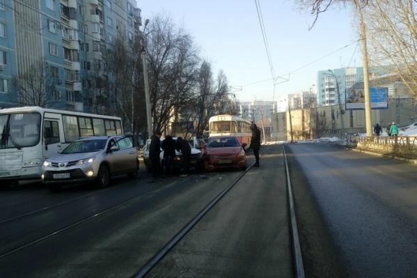 Наблюдается задержка трамваев №1, 16 и 23