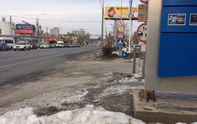 В Волгограде спрятанную в грязь остановку оставят без павильона
