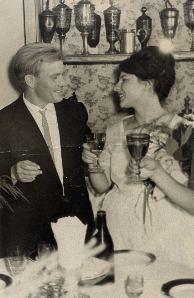 — Мама была товароведом в гастрономе, а отец строителем. Они встретились в 1963 году 19 мая, а поженились 3 июля, — рассказала Татьяна.