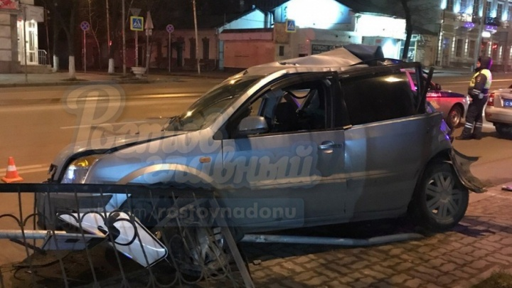 Большегруз протаранил «Форд» на Буденновском в Ростове