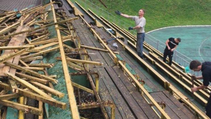 В Ярославле со стадиона «Спартаковец» оторвали лавки