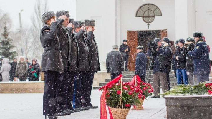В Самаре вспоминали погибших сотрудников ОВД в пожаре на Куйбышева, 42