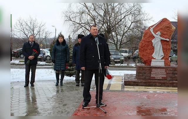 Глава Цимлянского района предстанет перед судом за взятку и должностную халатность