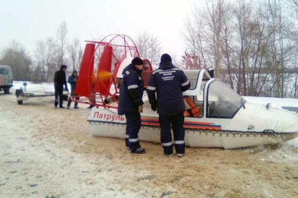 Спасатели проехали по льду 12,5 км, чтобы найти пропавшего рыбака