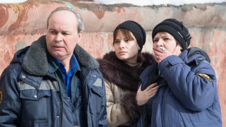 «Черный дым чуть не отрезал от выхода»: жители дома на Кузнецова рассказали о страшном пожаре