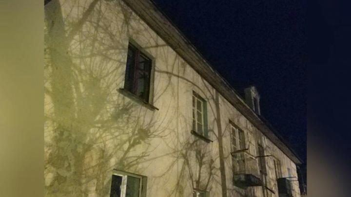 Жильцов дома на Судоремонтной срочно эвакуировали из-за затопленных квартир
