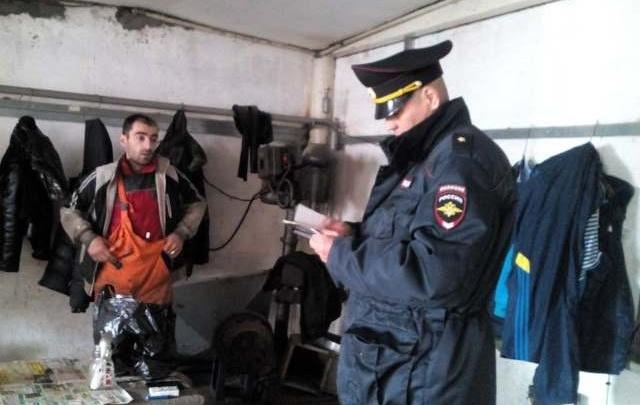 На опытно-механическом заводе в Челябинске выявили нелегальных мигрантов