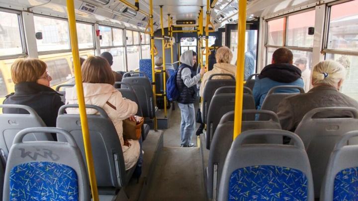 Сильный ветер и снег сорвали работу троллейбусов в Волгограде