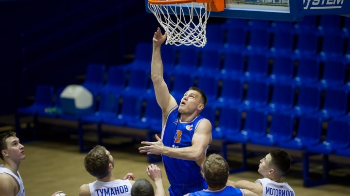 Баскетбольная «Самара» уверенно обыграла «Зенит-Фарм»