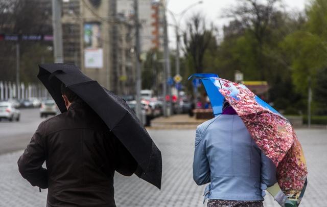 Последствия воскресного дождя в Ростове: фоторепортаж